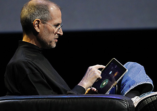 Steve Jobs relaxing with Osmos
